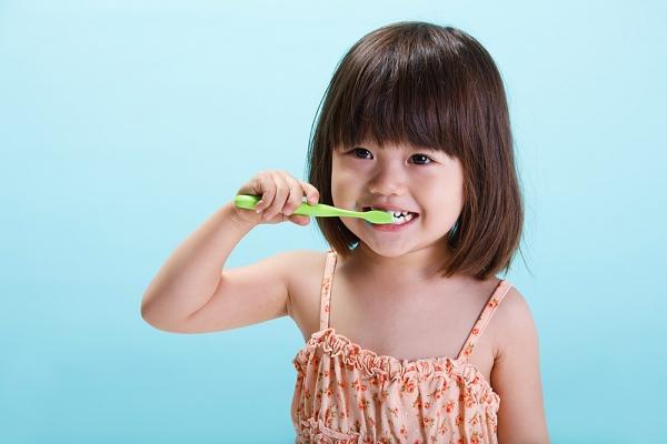 Để trẻ thích thú tìm hiểu vệ sinh răng miệng 2
