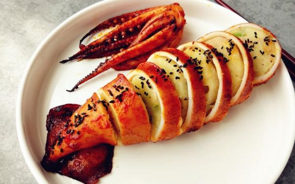 Image result for Mực nhồi khoai tây nướng