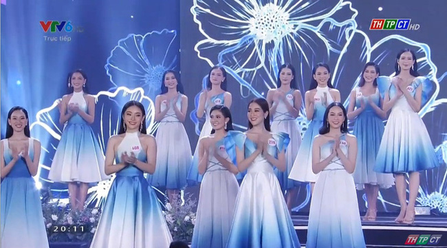 Bán kết Hoa hậu Việt Nam 2020: Một thí sinh rút lui khỏi cuộc thi ở phút chót, top 59 trình diễn áo dài - Ảnh 3.
