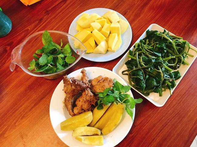 Hội chị em giảm cân không thể bỏ qua loạt thực đơn khoai lang ăn cả tuần không chán do 9X mặt đẹp dáng xinh chia sẻ - Ảnh 7.