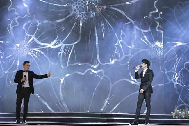 Khán giả tò mò Lam Trường - Đan Trường đã nói gì với nhau trong khoảnh khắc song ca lịch sử trên sân khấu HHVN, câu trả lời của anh Hai gây ngã ngửa - Ảnh 11.