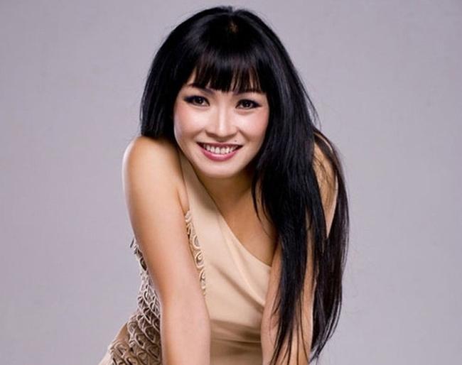 """Nữ ca sĩ kể chuyện bị Phương Thanh """"cướp bài hát"""", được Hoài Linh an ủi lúc khó khăn nhất - Ảnh 2."""