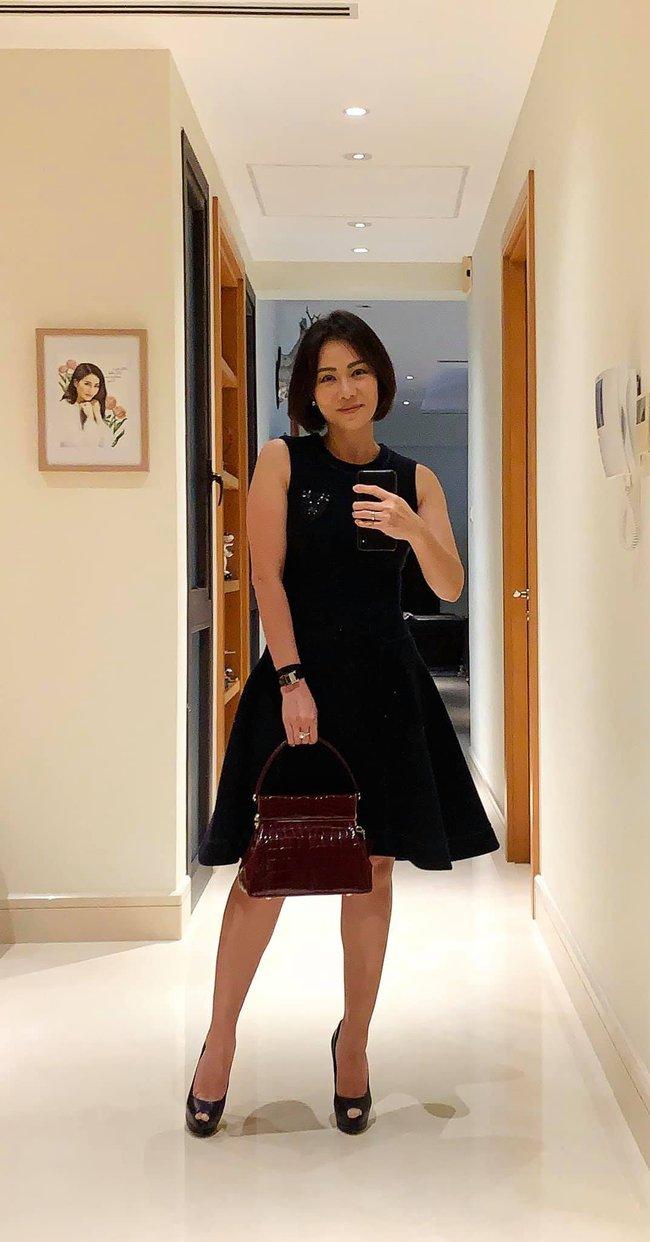 """Thu Minh xúng xính váy áo để đi hẹn hò với """"người yêu""""."""