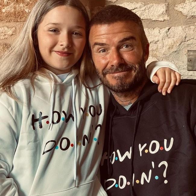 Nhìn loạt khoảnh khắc này từ cô út nhà David Beckham, ai nghĩ được đây lại là vóc dáng của một bé gái mới lên 9 - Ảnh 9.