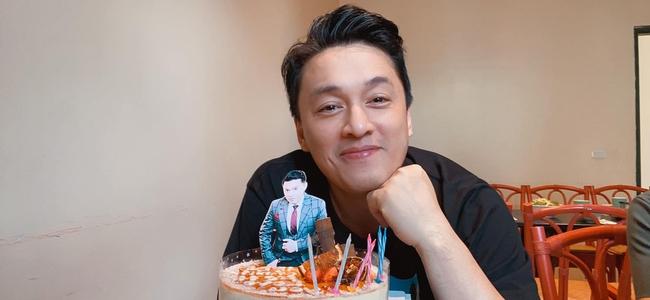 Lam Trường được đón sinh nhật sớm.