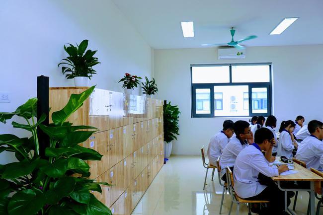 Ngôi trường chuyên có cơ sở vật chất cực hoành tráng, góc sống ảo nghìn like, chế độ đãi ngộ cho học sinh đáng mơ ước - Ảnh 7.