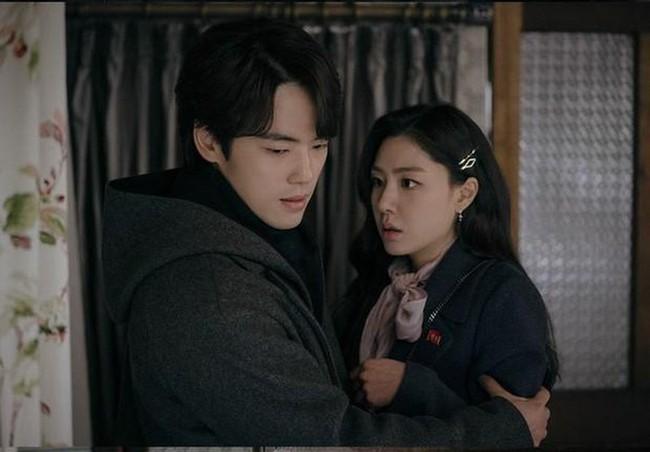 Cặp đôi phụ cực hot của Hạ Cánh Nơi Anh bất ngờ tái hợp còn gọi tên nhau như trong phim, Hyun Bin - Son Ye Jin vắng mặt không rõ lý do - Ảnh 1.