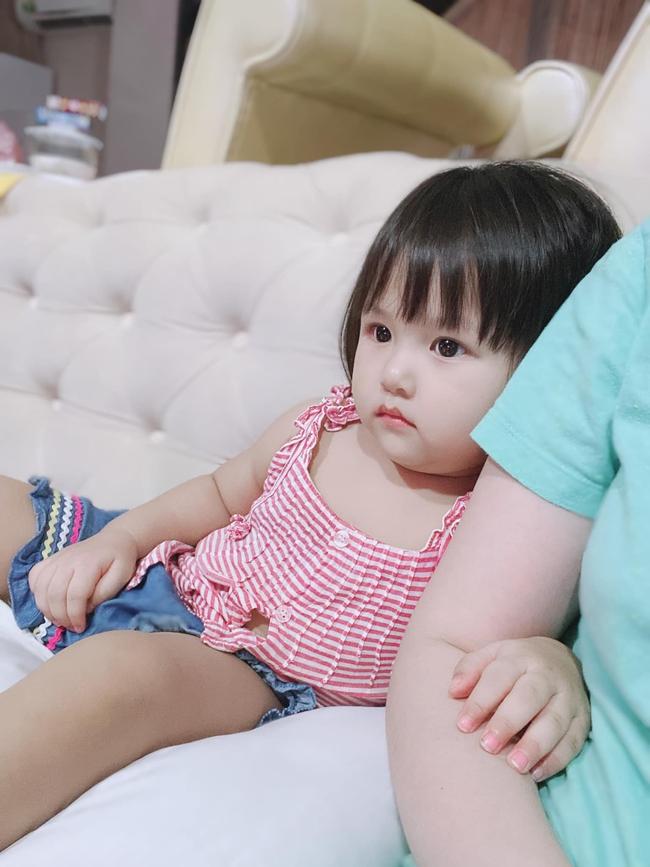 Cháu gái và cháu trai Bảo Thy đi resort nghỉ dưỡng cùng ba mẹ, lâu lâu mới lộ diện khiến ai cũng trầm trồ vì quá xinh xắn đáng yêu - Ảnh 5.