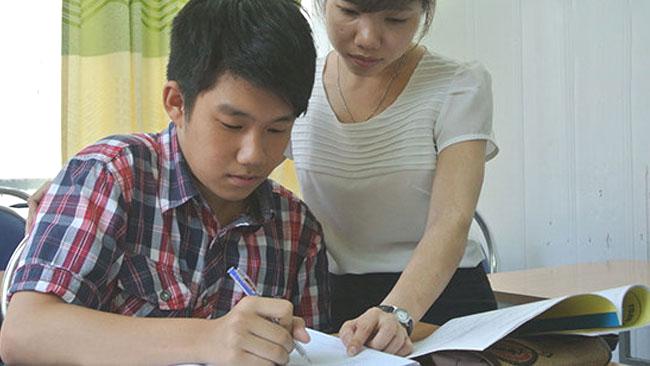 Thầy giáo tại trường THPT Hà Nội - Amsterdam chỉ ra mấu chốt khiến nhiều học sinh tưởng chăm chỉ nhưng điểm số lại lẹt đẹt, hóa ra do bố mẹ! - Ảnh 3.