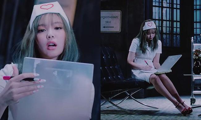 Báo Hàn đưa tin Jennie (BLACKPINK) đá xéo netizen sau lùm xùm bị chỉ trích vì bộ trang phục y tế phản cảm - Ảnh 2.