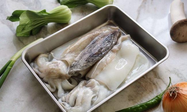 Mẹo khử mùi tanh của hải sản chỉ bằng các nguyên liệu đơn giản - Ảnh 3.