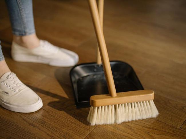 """Chị em có siêng dọn dẹp tới mức nào mà phạm phải 6 việc này cũng chỉ khiến nhà bẩn thêm, chưa kể còn """"rước"""" nhiều bệnh cho gia đình - Ảnh 1."""