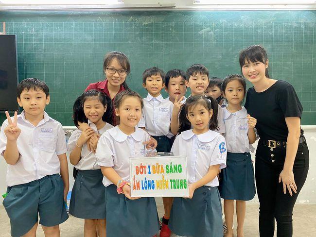 """Cậu bé học lớp 1 trong 2 ngày đã kêu gọi hơn 100 triệu đồng ủng hộ miền Trung: Cách bố mẹ dạy dỗ """"không phải dạng vừa đâu"""" - Ảnh 5."""
