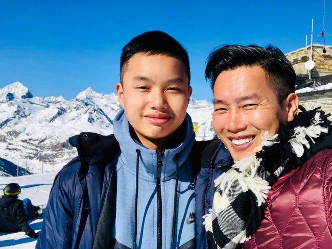 """MC Hoa Thanh Tùng có cậu con trai """"sao y bản chính"""", học ở trường quốc tế với mức học phí """"dân thường"""" nghe xong ngất xỉu - Ảnh 3."""