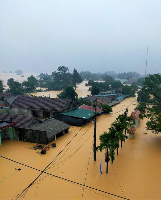 Quảng Trị nguy cơ tái diễn lũ lịch sử lần 2, mưa đặc biệt to ở miền Trung kéo dài đến bao giờ? - Ảnh 4.