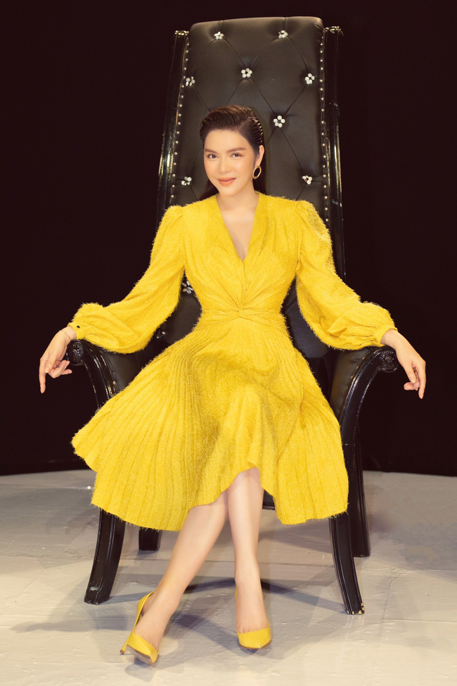 Lý Nhã Kỳ gợi cảm đọ dáng Đoan Trang trên ghế nóng, khéo léo tinh tế khi làm giám khảo - Ảnh 7.
