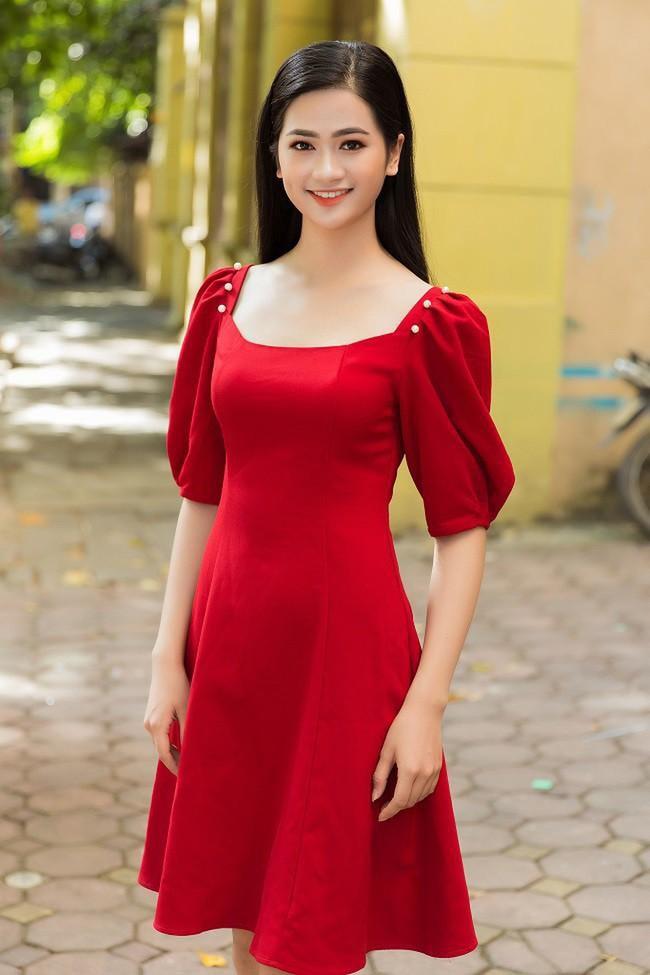 """So kè nhan sắc đời thường dàn Hoa khôi tại Hoa hậu Việt Nam 2020: Đại diện Ngoại thương lộ khuyết điểm, """"Người đẹp Kinh Bắc"""" xuất sắc cỡ nào mà được đặc cách? - Ảnh 9."""