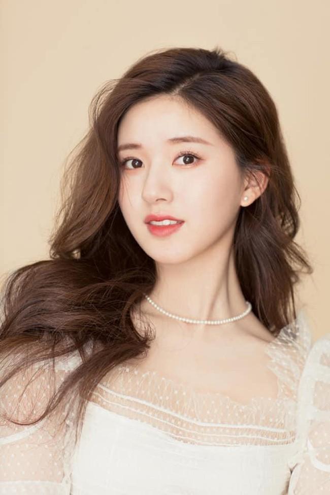 Triệu Lộ Tư xin lỗi Tống Thiến sau khi đá đểu đàn chị làm Nữ thần Kim Ưng quá xấu, netizen tiếp tục chê cười - Ảnh 6.