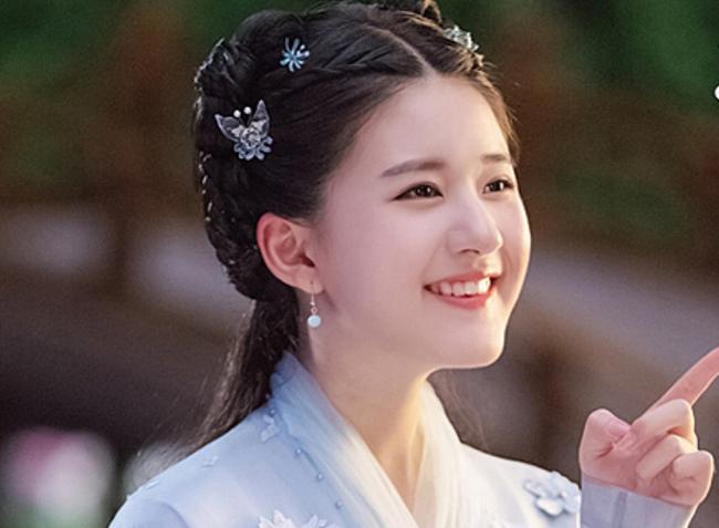 Triệu Lộ Tư xin lỗi Tống Thiến sau khi đá đểu đàn chị làm Nữ thần Kim Ưng quá xấu, netizen tiếp tục chê cười - Ảnh 5.
