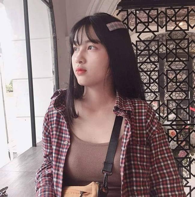 """So kè nhan sắc đời thường dàn Hoa khôi tại Hoa hậu Việt Nam 2020: Đại diện Ngoại thương lộ khuyết điểm, """"Người đẹp Kinh Bắc"""" xuất sắc cỡ nào mà được đặc cách? - Ảnh 15."""