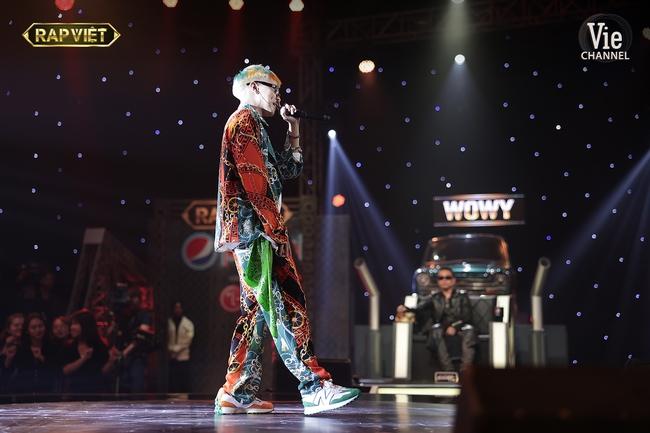 """Rap Việt: """"Gà cưng"""" của Wowy - Tez bại trận, G.Ducky và Thành Draw dắt díu nhau vào chung kết - Ảnh 11."""