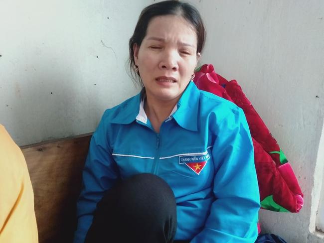 Sự cố sạt lở đất vùi lấp 22 cán bộ, chiến sĩ ở Quảng Bình: Người thân ngã quỵ, nín thở chờ đợi thông tin - Ảnh 7.