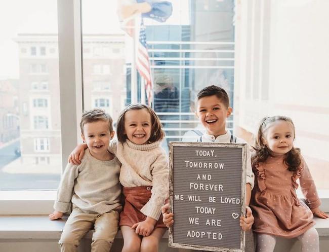 """Từ khó có con, cặp vợ chồng trẻ đã làm một việc khiến mọi người """"ngã ngửa"""" khi thấy hình ảnh gia đình hiện tại - Ảnh 1."""