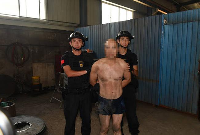 Bị bắt vì trộm 1 giỏ trứng gà, tên trộm vô tình hé mở manh mối của loạt tội ác 19 năm trước khiến nhiều người thương vong - Ảnh 1.