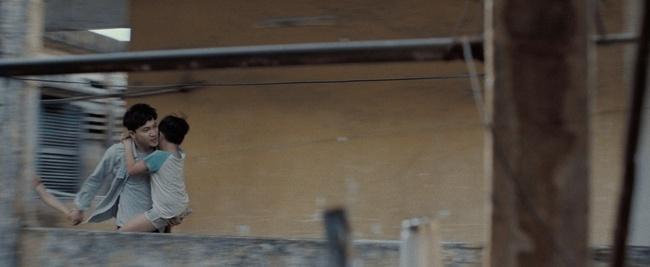 """Hoàng Thùy Linh lột xác, than khổ vì bị hành đến nhìn không ra trong """"Trái Tim Quái Vật"""" - Ảnh 12. Hoàng Thùy Linh lột xác, than khổ vì bị hành đến nhìn không ra trong """"Trái tim quái vật"""""""