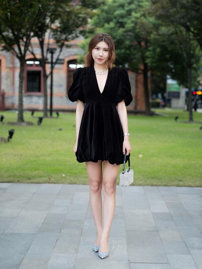 Street style Châu Á: Hội chị em lên đồ chuẩn gái Pháp, toàn blazer và cardigan nhưng nhìn sang hết nấc - Ảnh 11.