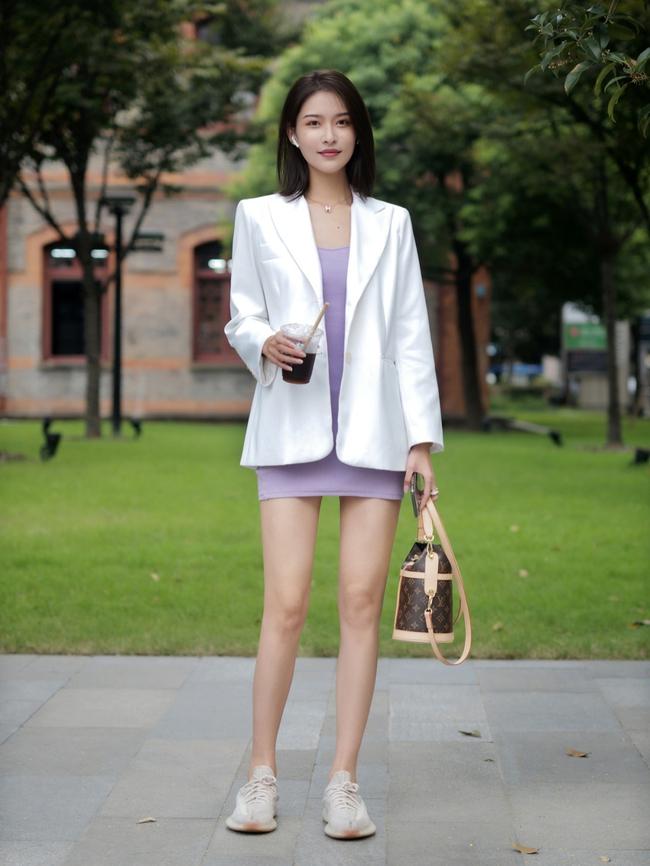 Street style Châu Á: Hội chị em lên đồ chuẩn gái Pháp, toàn blazer và cardigan nhưng nhìn sang hết nấc - Ảnh 9.