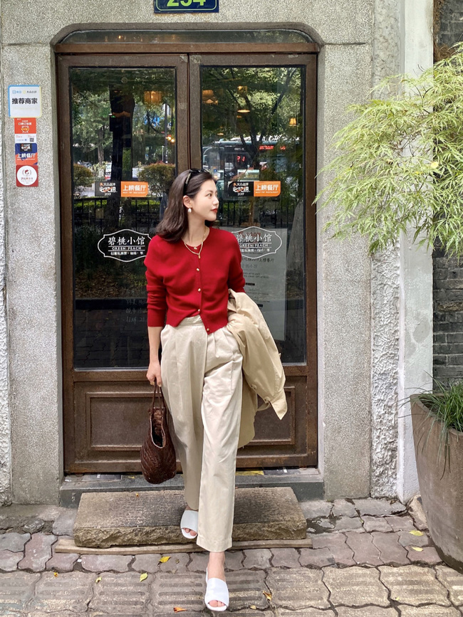 Street style Châu Á: Hội chị em lên đồ chuẩn gái Pháp, toàn blazer và cardigan nhưng nhìn sang hết nấc - Ảnh 15.