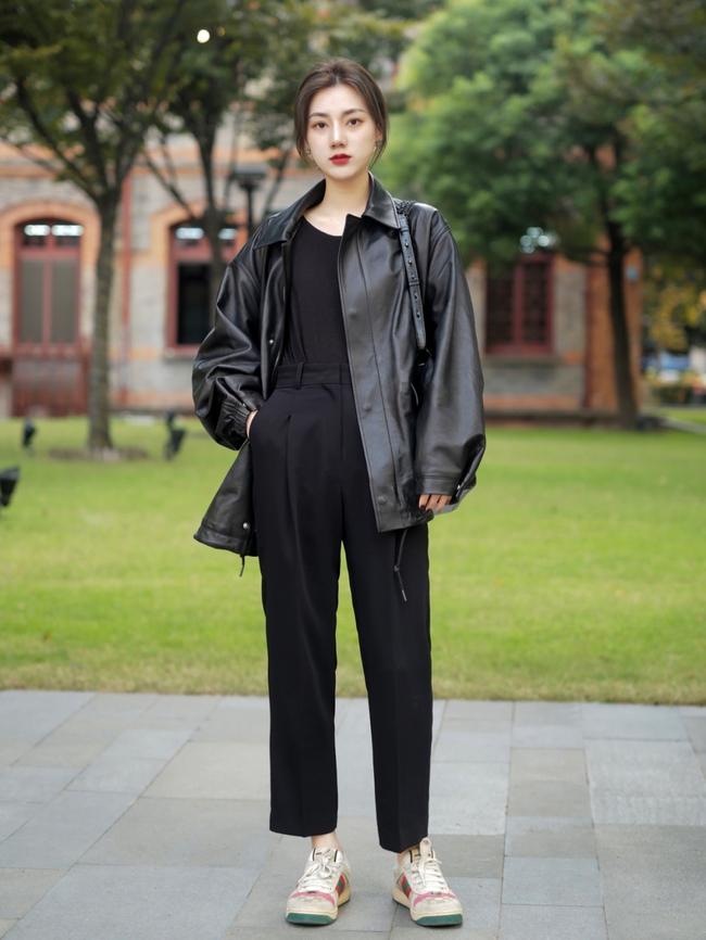 Street style Châu Á: Hội chị em lên đồ chuẩn gái Pháp, toàn blazer và cardigan nhưng nhìn sang hết nấc - Ảnh 12.