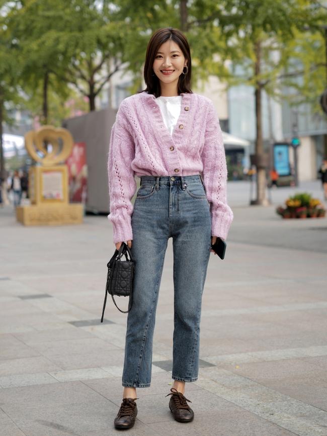 Street style Châu Á: Hội chị em lên đồ chuẩn gái Pháp, toàn blazer và cardigan nhưng nhìn sang hết nấc - Ảnh 13.