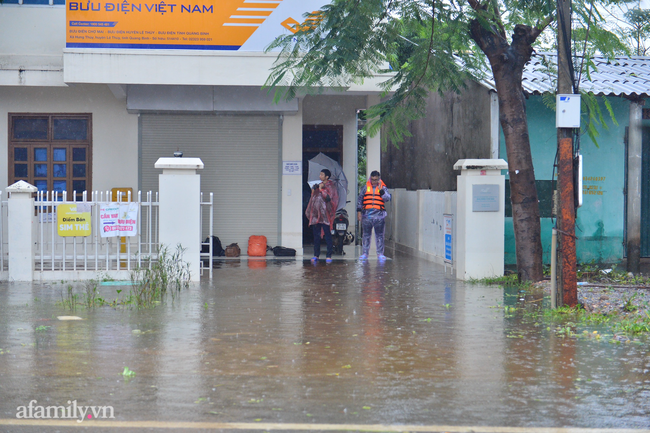 Ảnh: Tắc nghẽn nghiêm trọng trên tuyến giao thông tại Quảng Bình - Ảnh 7.