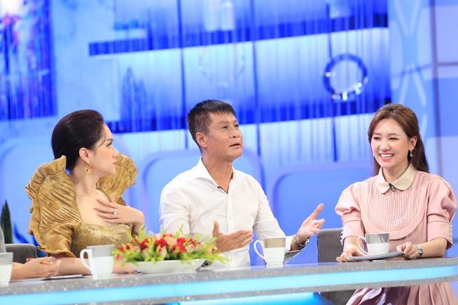 Lê Hoàng tiếp tục gây sốc khi tranh cãi gay gắt với nữ khán giả 20 tuổi trên sóng truyền hình - Ảnh 6.