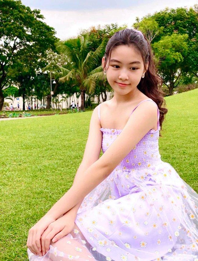 Con gái MC Quyền Linh 14 tuổi cao 1m70, bí quyết sở hữu chân dài miên man bây giờ mới được tiết lộ - Ảnh 5.