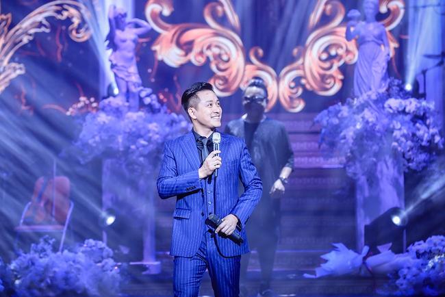 Tuấn Hưng bất ngờ tái xuất sau khi tuyên bố giải nghệ, đứng chung sân khấu cùng Quang Hà, Lệ Quyên  - Ảnh 4.