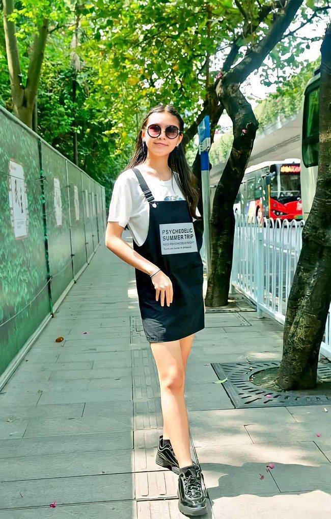 Con gái MC Quyền Linh 14 tuổi cao 1m70, bí quyết sở hữu chân dài miên man bây giờ mới được tiết lộ - Ảnh 7.