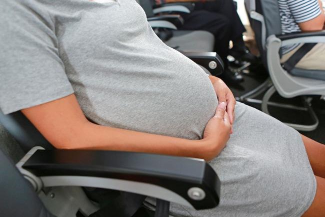 Mang thai 6 tháng không đi khám lần nào, người phụ nữ suýt phải cắt buồng trứng - Ảnh 1.