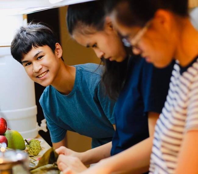 15 tuổi cao 1m80, con trai diễn viên Huy Khánh chơi chục môn thể thao nhưng nhìn chế độ dinh dưỡng mới khủng - Ảnh 11.
