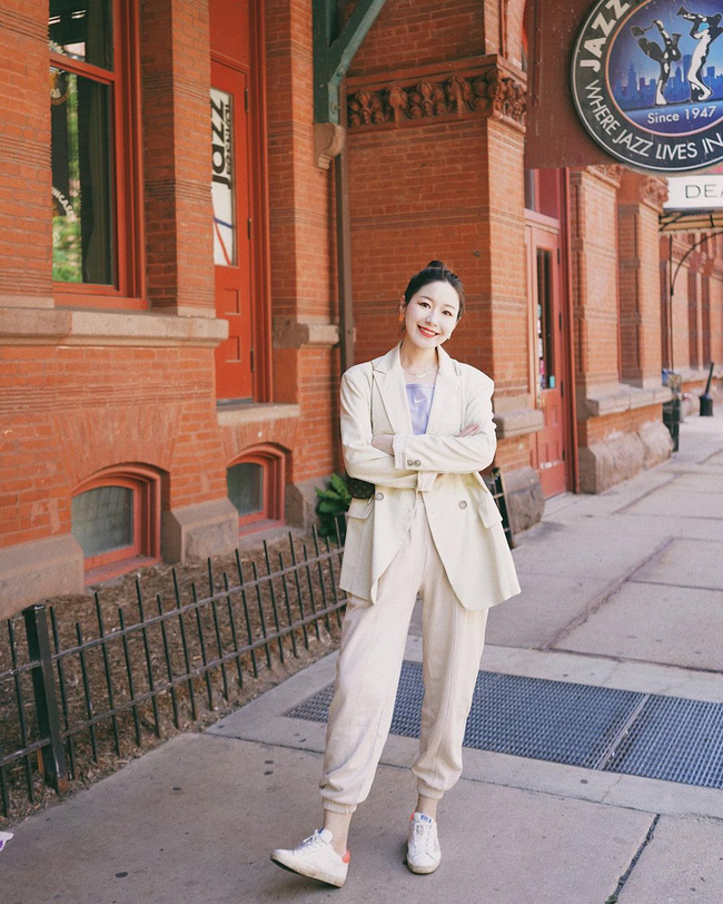Chỉ với một kiểu blazer, nàng fashionista đã mix được cả chục set đồ xịn đẹp, thấy mà chẳng muốn shopping nhiều cho phí tiền - Ảnh 4.