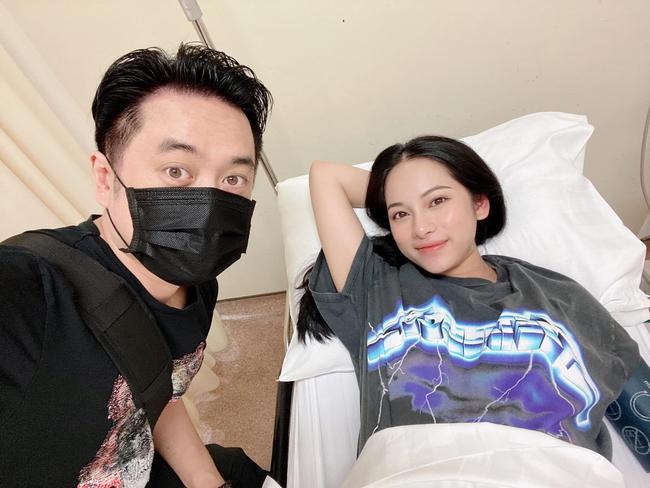 """Mới sinh mổ 12 tiếng, Sara Lưu đã lò dò tập đi, nhưng vóc dáng như chưa hề có cuộc """"vượt cạn"""" mới gây nhiều chú ý - Ảnh 2."""