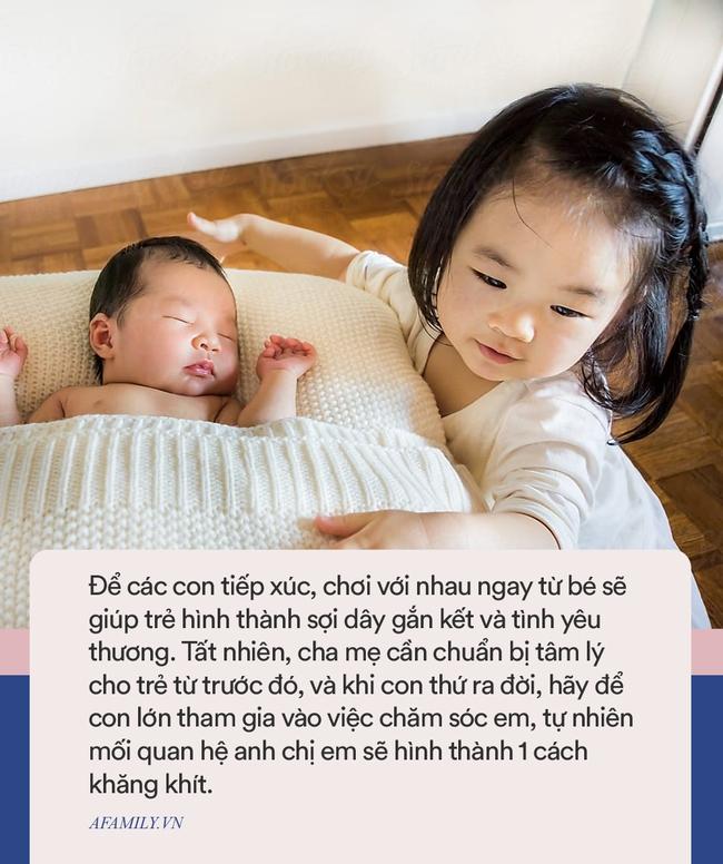 """Đi làm về mỗi hôm thấy con trai lại nằm ngủ 1 chỗ khác nhau, biết được lí do bà mẹ cười """"rớt hàm"""" - Ảnh 6."""