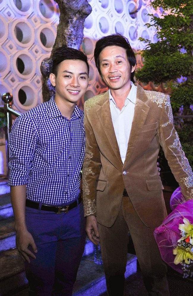 """Trước khi tự đặt nghệ danh mới, Hoài Lâm từng từ chối mang họ """"Võ"""" của Hoài Linh khiến dân tình xôn xao quan hệ cha con - Ảnh 4."""