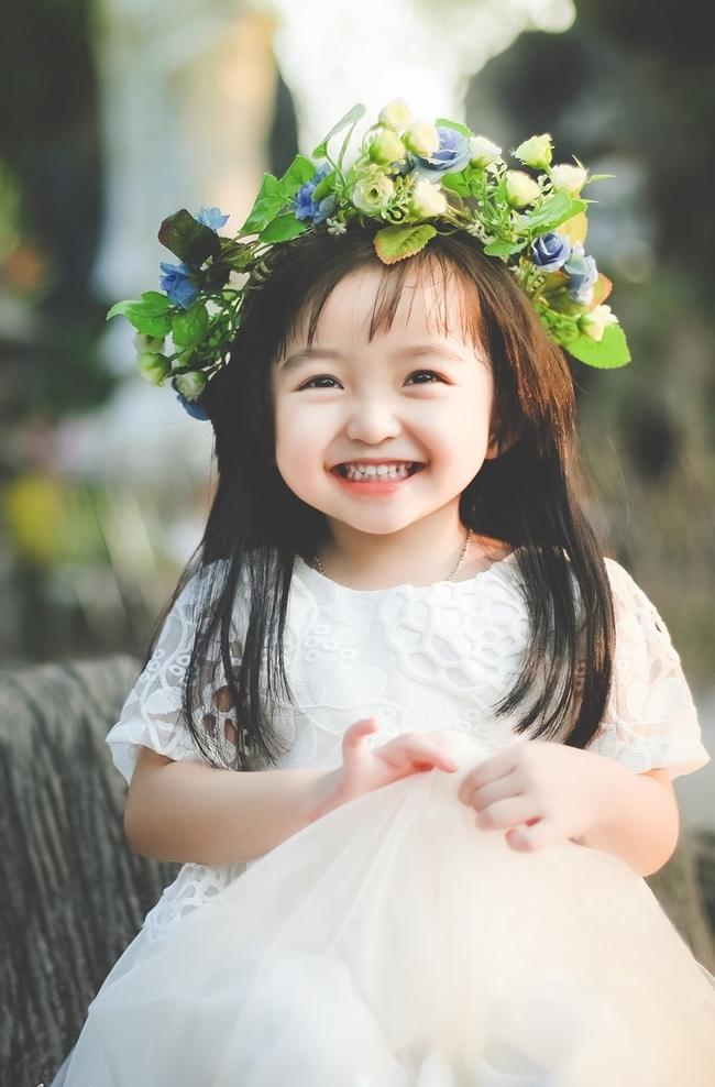 Em bé sơ sinh vừa ra đời đã đẹp như thiên thần, thói quen của mẹ quyết định phần lớn dung mạo của con - Ảnh 4.