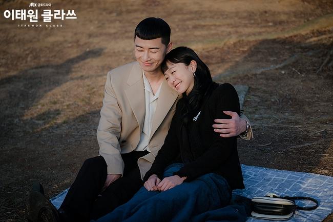 Hyun Bin - Son Ye Jin sáng giá nhất cho mùa giải cuối năm, một cặp đôi ẵm chắc giải vì được nhà đài chống lưng? - Ảnh 5.