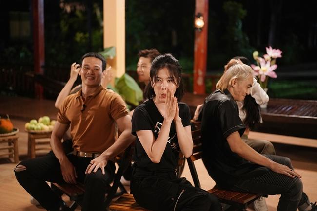 """Nam Em tiếp tục """"tăng động"""" khiến Trấn Thành nổi giận ở show mai mối hẹn hò - Ảnh 9."""