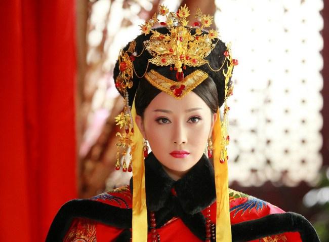 Cuộc đời bi thảm của Hoàng hậu tại vị lâu nhất triều Thanh: Sống cô độc ở tẩm cung gần 20 năm, cả đời chỉ là con rối của kẻ khác - Ảnh 1.