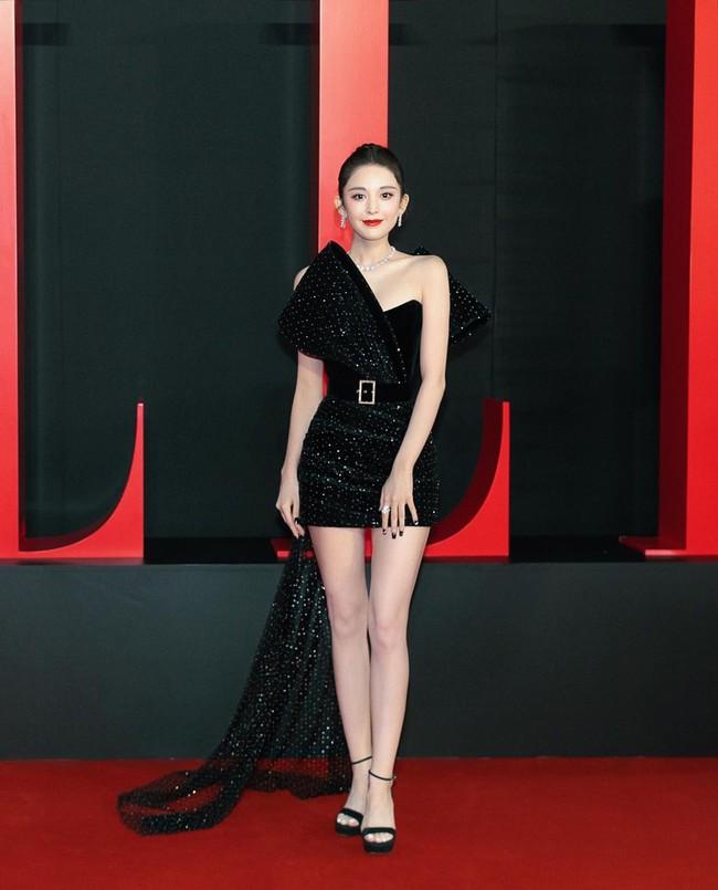 """Tuần qua các chị đẹp đều diện đầm đen đi dự sự kiện, Nữ thần Kim Ưng Tống Thiến lại tiếp tục bị """"réo tên""""  - Ảnh 6."""
